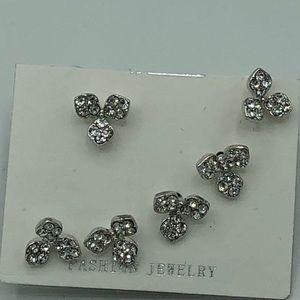 Jewelry - Set similar pair earrings